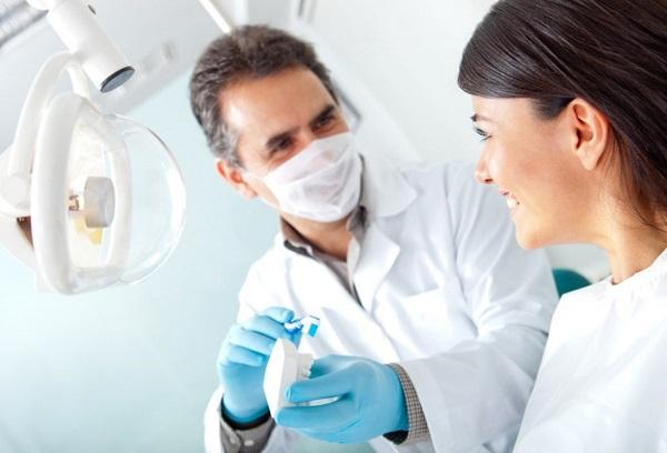 Опытный врач посоветует наилучшую конструкцию брекетов и план лечения