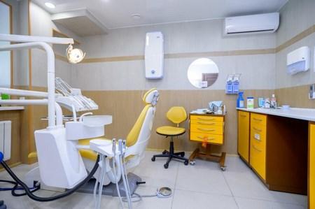 На фото кабинет стоматолога в клинике «Super Смайл»